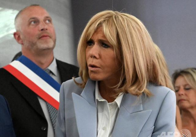 大統領 夫人 マクロン